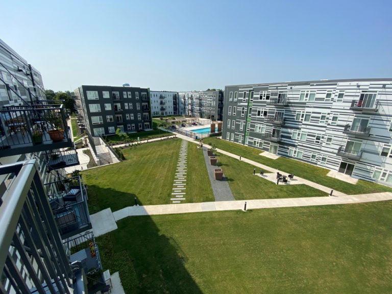 1 E84 Courtyard 2
